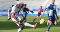 Luis Advíncula intento, pero no pudo hacer nada en la derrota del Rayo ante Sabadell