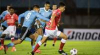 Rentistas y Sporting Cristal no se hicieron nada en el Estadio Centenario de Montevideo.