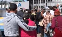 Aglomeración y caos de adultos mayores para vacunarse contra la COVID-19 en Chorrillos