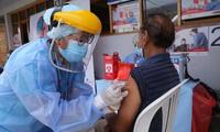 Brasil: al menos 33 adultos mayores que fueron vacunados se contagian de COVID-19 en un geriátrico.