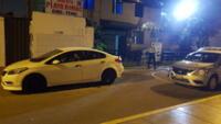 motorizados acribillan auto en la avenida Bocanegra.