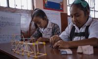 Despierta el interés en adolescentes sobre las carreras de ciencia, tecnología, ingeniería y matemáticas.
