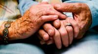 Anciano se vuelve viral por su tierna carta de amor hacia su esposa.
