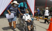 Funcionario del Minsa dijo que se ampliarán más centros de vacunación en Lima.