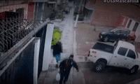 Los cámaras captaron el momento en el que seis ladrones cometieron el robo.