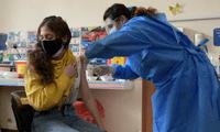 Antes del 28 de julio se comenzaría con la inoculación a adolescentes con comorbilidades