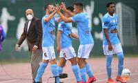 Festejo en Cristal por el gol marcado por Horacio Calcaterra.