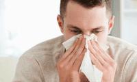 La humedad empeora las alergias y sus síntomas podrían confundirse con la COVID-19.