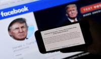 Donald Trump en el fondo de su página de Facebook, el 5 de mayo de 2021.