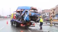 La PNP indicó que el chofer de la combi se habría dado a la fuga.