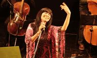 Celebra junto a los cantautores peruanos.