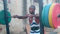 Deportista no quiere regresar a Uganda por la crisis económica de su país.