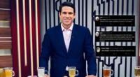 'Paco' Bazán es criticado en redes por sus mensajes de respeto e igualdad en plena transmisión.