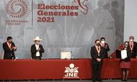 Pedro Castillo y Dina Boluarte recibieron hoy viernes 23 de julio sus credenciales presidenciales