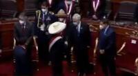 Pedro Castillo evitó saludar a Guido Bellido en la juramentación como presidente de la República.
