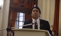Líder de Perú se inmiscuye en decisiones del gobierno.