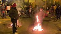 Fujimoristas quemas banderas