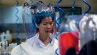 """""""La COVID-19 continuará mutando"""": La dura advertencia de la viróloga china Shi Zhengli sobre la pandemia."""