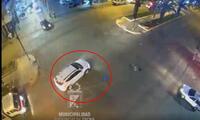 Director del hospital Hipólito Unanue, iba en su camioneta, cuando arrolló a mujer.