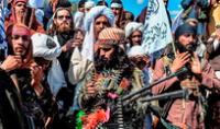 Tras la imparable invasión, cientos de efectivos del Ejército afgano se rindieron ante los talibanes cerca de la ciudad de Kunduz, también en el norte del país. Foto: AFP/Referencial