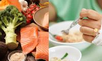 La dieta debe tomar en cuenta los síntomas del paciente como dificultad respiratoria o diarrea.