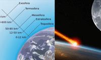 Se encuentra entre la estratósfera y termósfera.