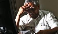 Los primeros síntomas del Alzheimer pasan inadvertidos por la mayoría de la población. Por ello, el diagnóstico suele ser en etapas avanzadas.