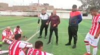 Omar Zegarra dando indicaciones a sus pupilos del Atlético Chalaco