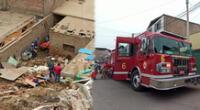 Cerro se desprendiendo en chorrillos y cae sobre vivienda a tempranas horas de la mañana.