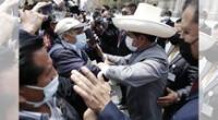 Mujer le gritó al presidente en el día de su cumpleaños y tras su salida de palacio.