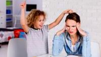 Los niños con TDAH tiene dificultades para prestar atención.