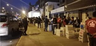 Trabajadores del JNE y la ONPE aguardaron  hasta la madrugada  para entregar ánforas de votación