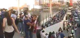 Independencia: ciudadanos hicieron colas interminables para ingresar a Megaplaza
