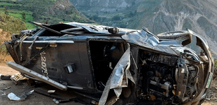 Policía muere al despistarse su patrullero hacia un abismo en Yauyos