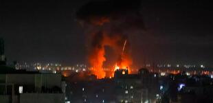 Israel: reportan nuevos bombardeos en la Franja de Gaza tras lanzamiento de globos incendiarios
