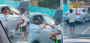 Niño se pone a jugar con menor que limpia parabrisas y termina regalándole sus juguetes [VIDEO]