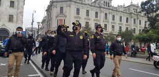 Centro de Lima: PNP resguarda plazas para evitar conflictos entre simpatizantes de Perú Libre y Fuerza Popular