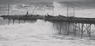 Oleajes ligeros a fuertes se registraran hasta el miércoles 23 en el litoral peruano