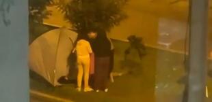 Una familia salió a acampar a la calle en medio del temblor de 6 grados en Lima [VIDEO]
