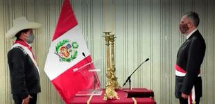 """""""En medio del derrumbe del mercado y la caída de la moneda"""" Castillo eligió a su ministro de Economía dice Clarín"""