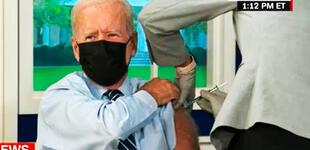 """Biden recibe la tercera dosis de la vacuna COVID-19: """"Para vencer esta pandemia necesitamos vacunarnos"""""""