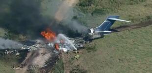 EE.UU.: Avión con 21 personas a bordo se estrella en Texas y todos sobreviven [FOTOS y VIDEO]