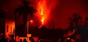 Volcán Cumbre Vieja, a un mes de erupción, sigue arrasando con todo hasta el día de hoy [VIDEO]