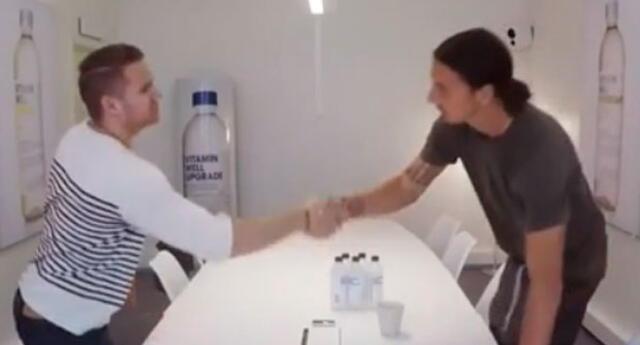 Zlatan Ibrahimovic sorprende a joven en entrevista de trabajo