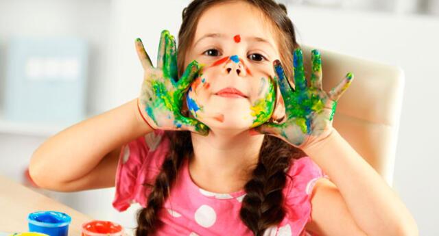 Dejar que se ensucien no solo les brindará paz, sino que fomentará su creatividad y estimularán su imaginación