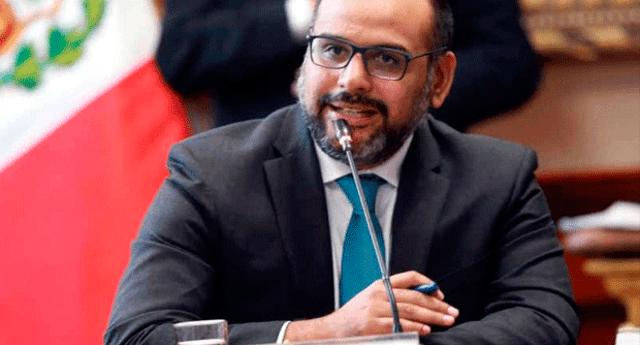 el Ministro de Educación, Daniel Alfaro, afirmó que no se prometió un alza gradual sino un estudio técnico.