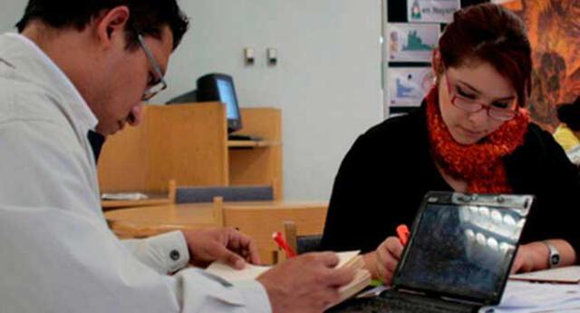 Solo un 24% de profesionales cuenta con estudios de posgrado en Perú