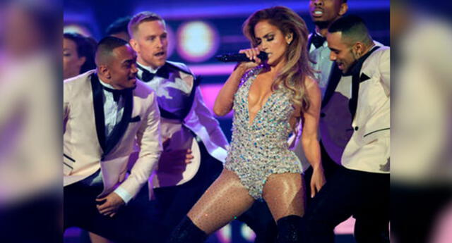 Conocido conductor de show criticó a Jennifer Lopez tras presentación en Grammy 2019