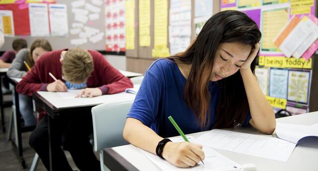 Recuerda que amanecerse estudiando la anoche anterior no es lo más adecuado.