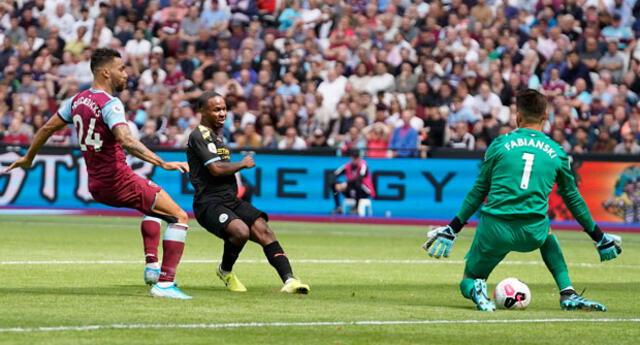 Sterling fue el verdugo del  West Ham  al marcar tres goles. FOTO: EFE